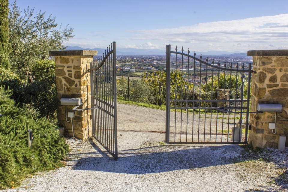 What Are the Benefits of Electric Gates for My London Home?