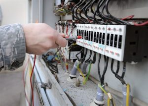 A picture of a worker from an emergency electrical service